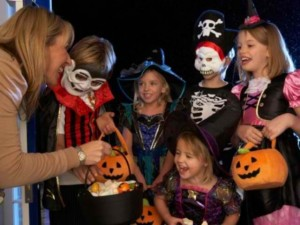 Halloween-Costume-Zone.com - Halloween Safety Tips and Suggestions